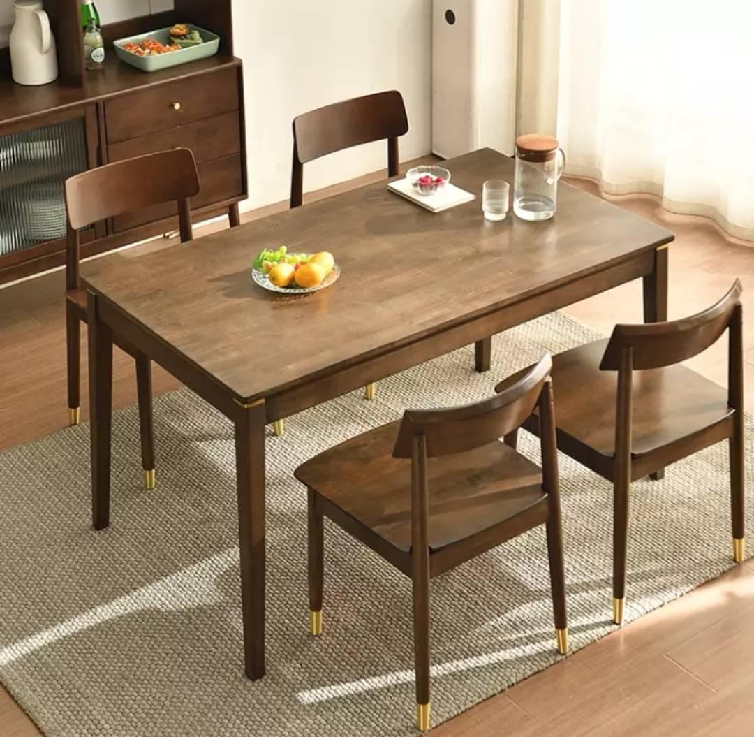 家逸 实木餐桌  1.15米单个餐桌 649元包邮(慢津贴后641.21元)