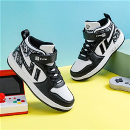 7-PE 七波辉 儿童加棉运动鞋