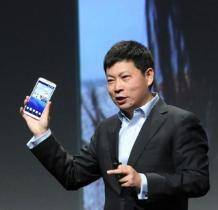 """余承东分享华为""""很吓人""""技术:手机速度飞跃    6月推出,速度秒杀一切手机"""