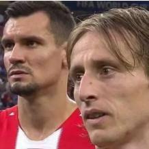 他们,从刚从战争中走出来,却取得了世界杯亚军    你知道他们为什么哭吗?