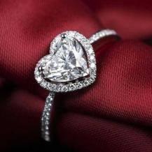 骗了全世界130年的钻石骗局,终于败给了中国制造    国产人造钻石太便宜?不,是天然钻石太坑爹!