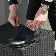 20日22点:京造 男士商务正装皮鞋男德比鞋系带简约光面 黑色 40259元