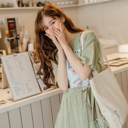 韩都衣舍 网纱印花蛋糕裙连衣裙 EK9095 四色可选 84.3元包邮(1件3折)